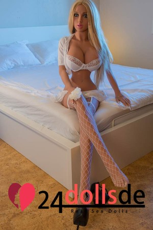 Sex Doll Große Brüsten
